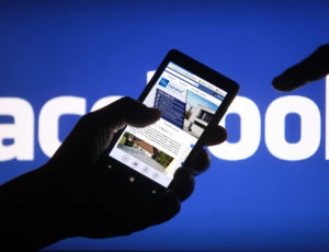 Kövessen minket közösségi oldalunkon!